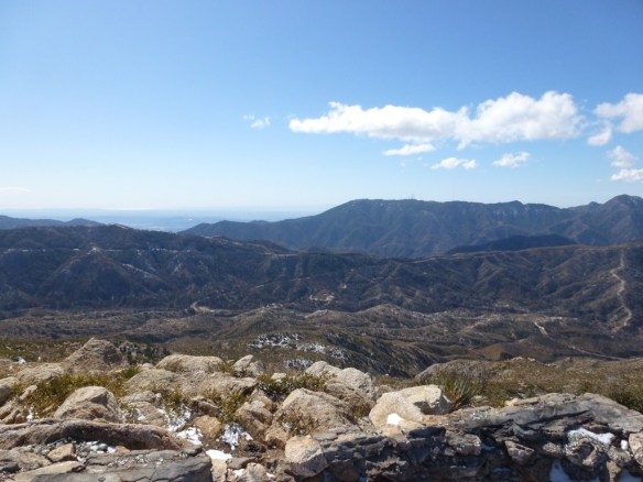 View from Vetter Mountain Lookout toward Mt. Wilson with ocean view in the distance.