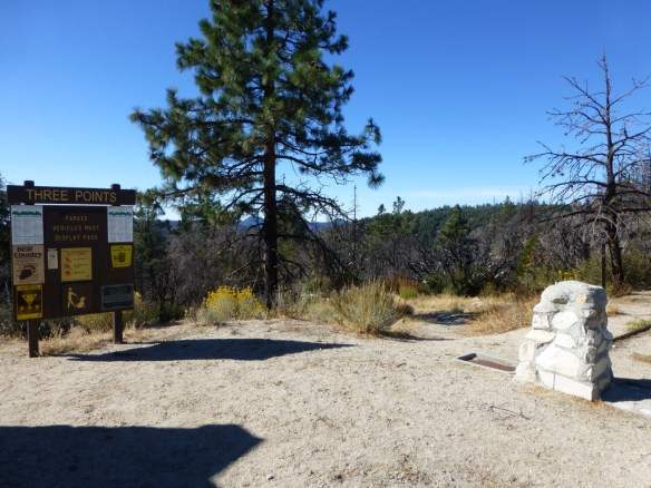 Silver Moccasin Trailhead at Three Points.